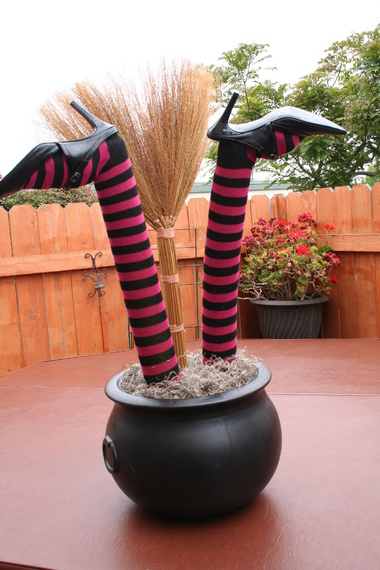 Homemade Crashed Witch Prop-001.jpg