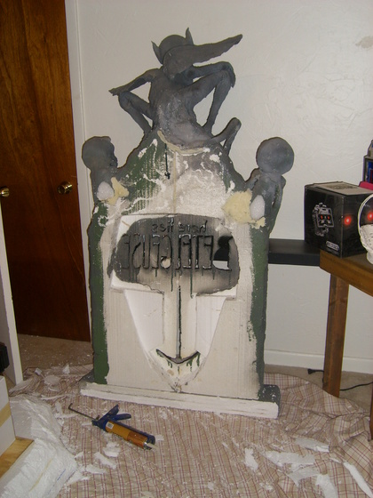 Beetlejuice (Full Scale) Tombstone-002.jpg