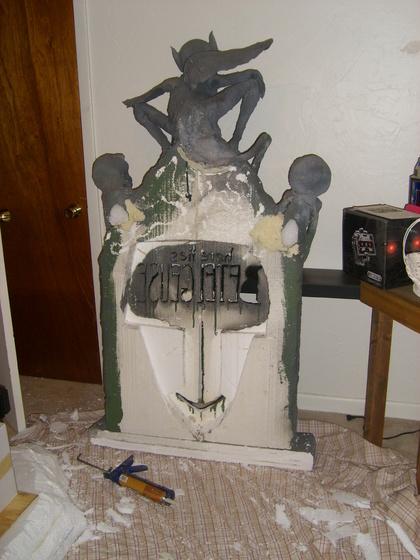 Beetlejuice (Full Scale) Tombstone-002.jpg