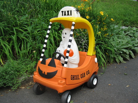 Using Little Tikes Outdoor Play Toys as Halloween Props-006.jpg
