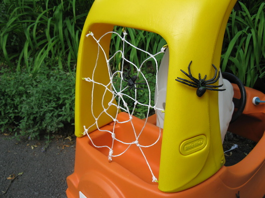 Using Little Tikes Outdoor Play Toys as Halloween Props-010.jpg
