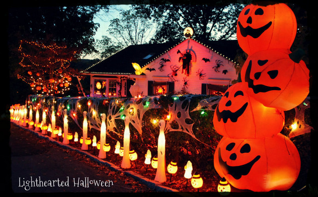 1 1jpg - Houses Decorated For Halloween