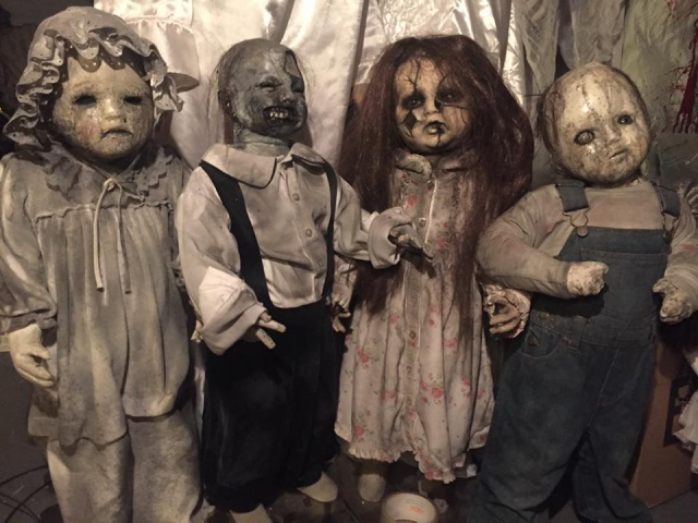 Lot of Doll Props by CreepyCollection-16602698_10155714819415329_4518498531991054926_n.jpg