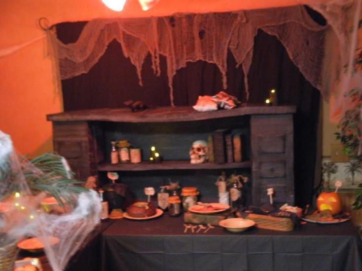thread need help for halloween party decor for kitchen - Halloween Kitchen Decor