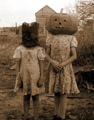 Vintage Halloween photos-5277724533494196_ewnwqjb0_c.jpg