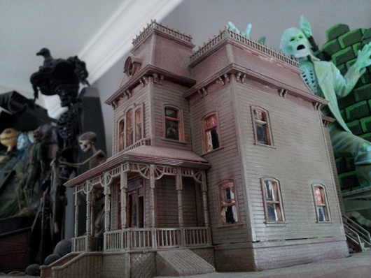 bates mansion/addams family/munsters house models - page 3