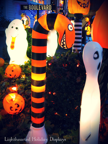 Turning random Christmas blowmolds into whimsical Halloween decorations.-cemetery-33-.jpg