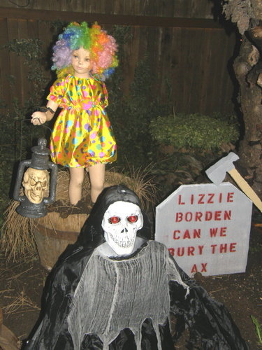 Need Help for Clown theme-craigs-house-halloween-night-2010-016.jpg