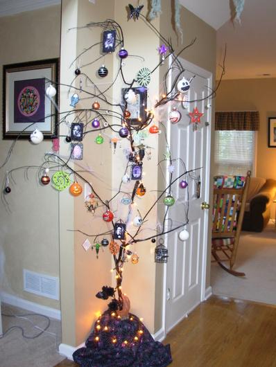 dscn1071jpg - Halloween Tree Ornaments