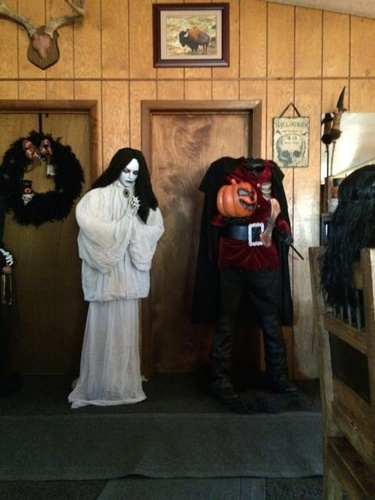 haunting helsa 003jpg - Halloween Props For Sale