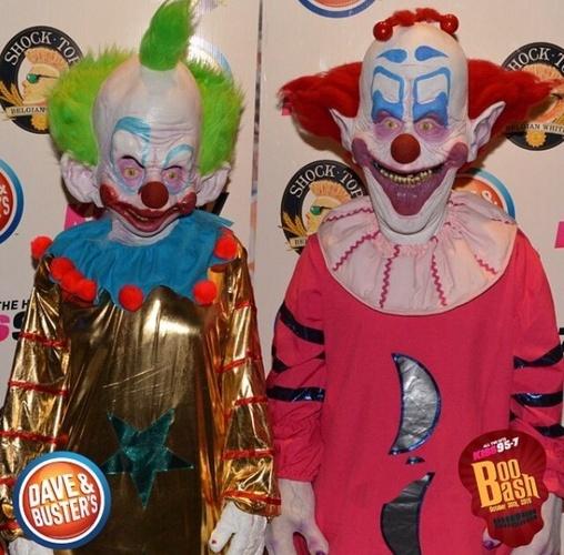 Pin killer klowns from outer space captain on pinterest for Killer klowns 2