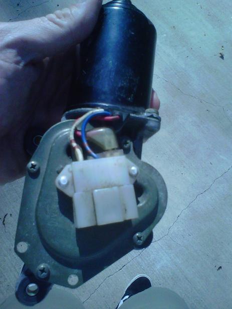 Wiper motor voltage-img01009-20120923-1444.jpg