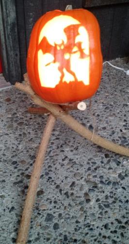 pumpkin tripod-img_20161029_175027097.jpg
