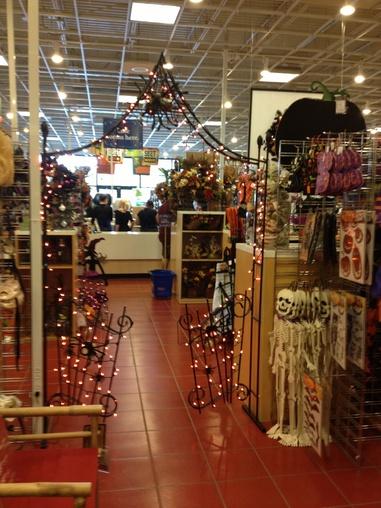 2013 414jpg - Pier One Halloween