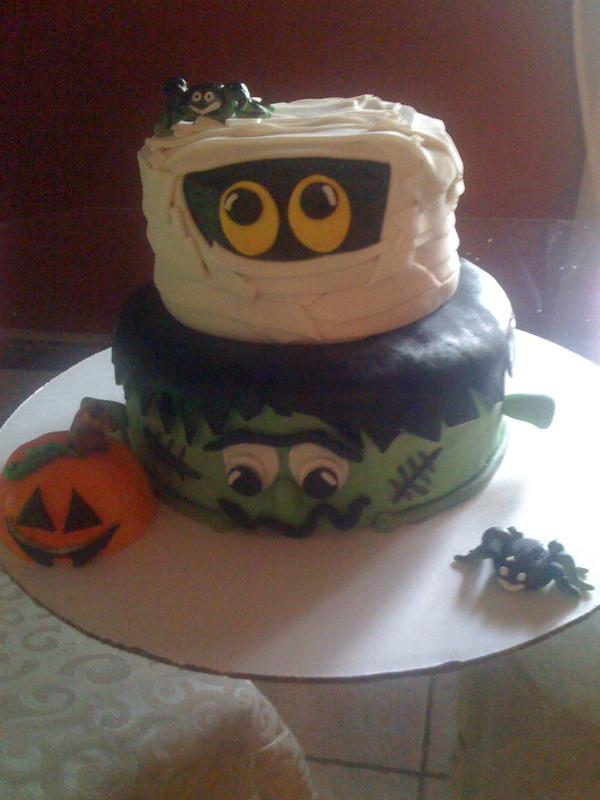 halloween cake ideas here is the cake i did last yearits not that complicatedl_bed8685e4cf24ad8a3f6d3327ced064d1jpg