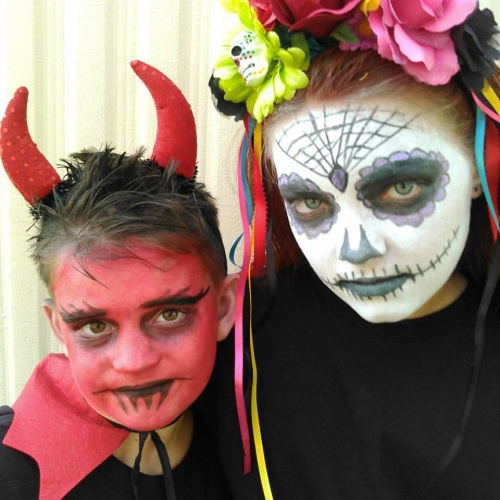 Show me your Halloween costumes/makeup!