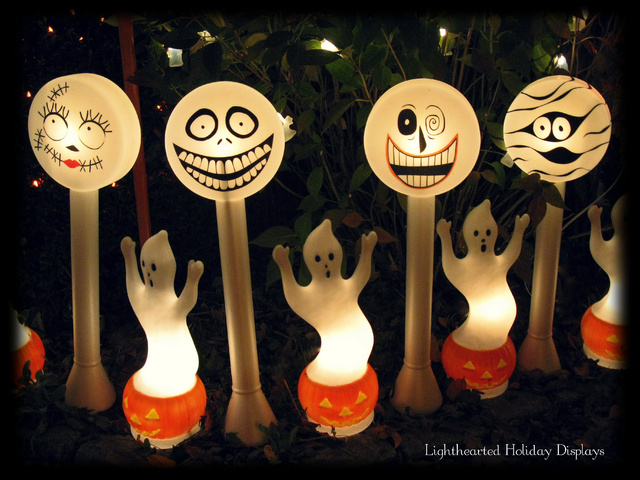 Turning random Christmas blowmolds into whimsical Halloween decorations.-nbc-lollies.jpg