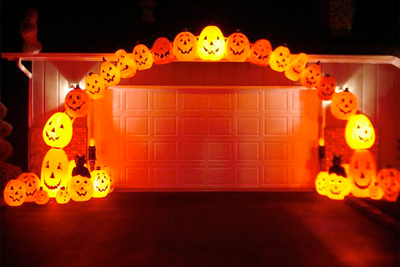 outdoor halloween decorations pumpkin arch_f7886f7c4d0e3f254d54fbe15bd7fe51_3x2jpg - Halloween Decorations Pumpkin