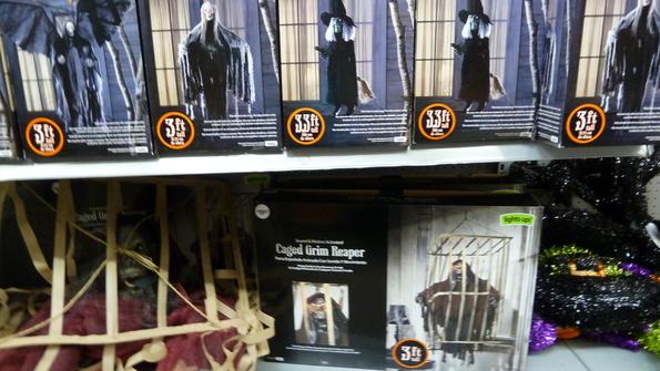 p1020027jpgp1020028jpg - Halloween Walmart