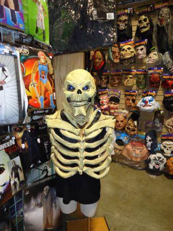 pic3jpg - Ny Halloween Store