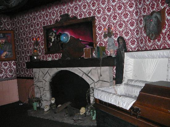 Atmosphere Effects Where To Find Creepy Old Wallpaper