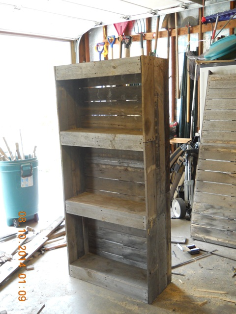 Prop Showcase What To Do With Old Pallets