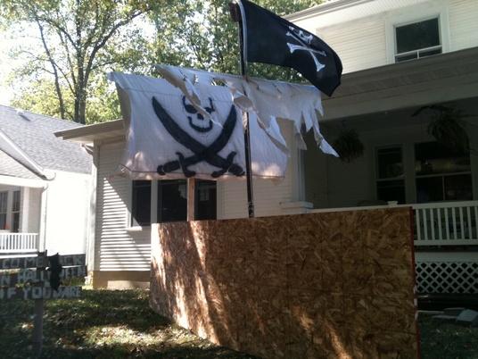 Homemade pirate ship-ship1.jpg
