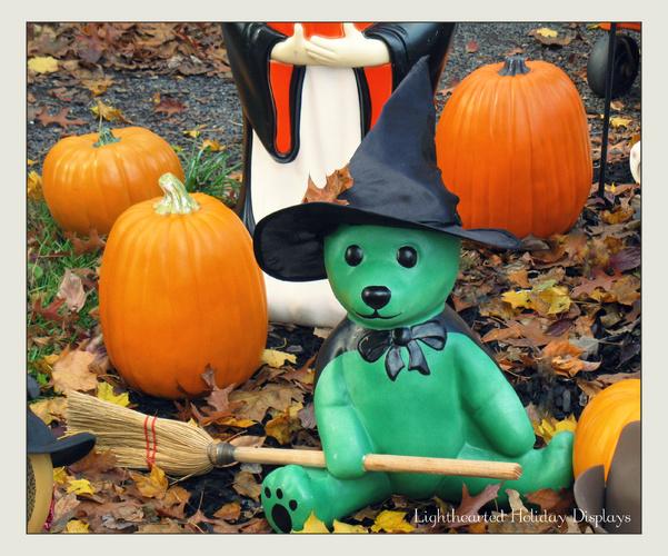 Turning random Christmas blowmolds into whimsical Halloween decorations.-wickedwitchbear.jpg