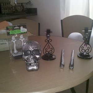 This is what I received this year from my reaper  Love everything and have already used the jar and skulls in my displays  :)  Thank you secret reaper