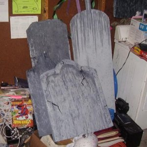 Some other tombstones. That's an old dryer, so the wife didn't kill me for getting paint all over it.
