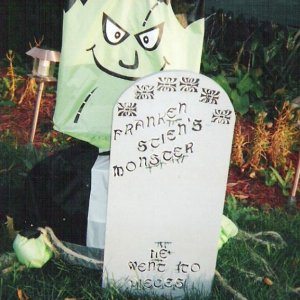 Close up of Franken-mini and the tombstone...