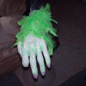 making the head & hands 001  Grinch hands