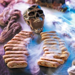 Scary Skeleton Rib Sandwhiches  Ingredients 4 cups Rotisserie chicken breast  1-1/4 cups water  1/4 cup tomato paste  2 tablespoons paprika  2 tablesp