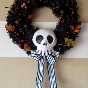Diy NBC Scull Replica Wreath!  www.diynmbcprops.blogspot.com
