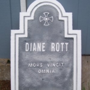 shape of tombstone cut out
