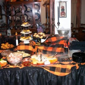 Halloween 07 Food Table