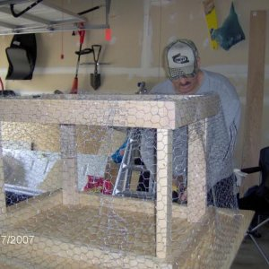 Covering the frame with chicken wire