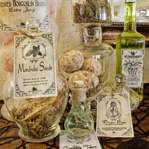 Mandrake seeds and other Apothecary items