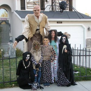 Picturehttp://www.halloweenforum.com/album.php?albumid=11103&attachmentid=210869 174