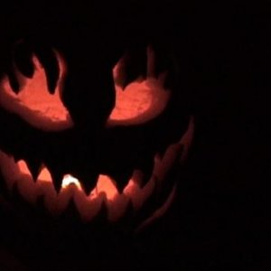 A second pumpkin I carved. It's far more detailed then the first one, as you can see :D.