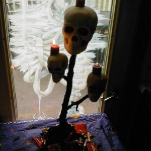 skull candle sticks