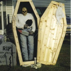 our old house...a coffin I made but alas had to throw away because it was invaded by ants.