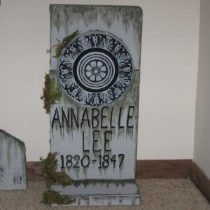 Close up of the Annabelle Lee stone. I'm pretty pleased with it considering it was made from scrap foam because I found that cool medallion and just w