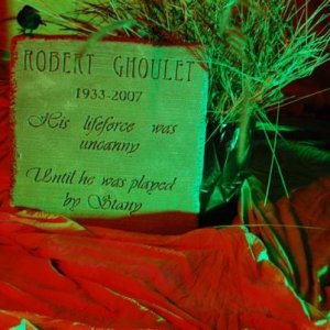 Our friend Stany dressed up as Robert Goulet last year...just a day or so before the star died.  Stany was thrilled to be on a tombstone!