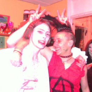 Vamp and Punk, Morticia behind