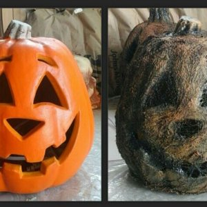 Jack o' Lantern  before and after I corpsed  it