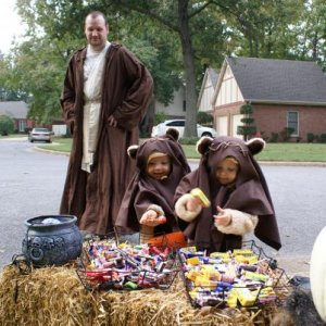 Daddy the Jedi and his little Ewoks