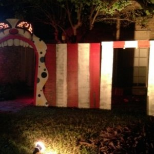 Night shot - Clown mouth entrance and striped circus flats (test setup)