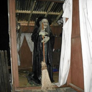 VerdunManor Witch: Picture taken at Verdun Manor upon entering the VooDoo Bayu!