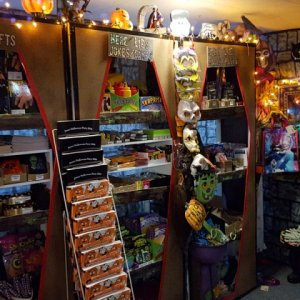 Trick or Treat Shelves